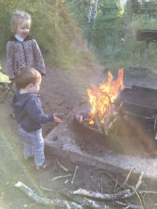 Mae_Quin_campfire_07.08.17