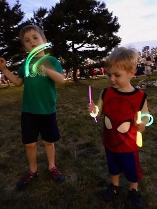 glow_sticks_07.04.18