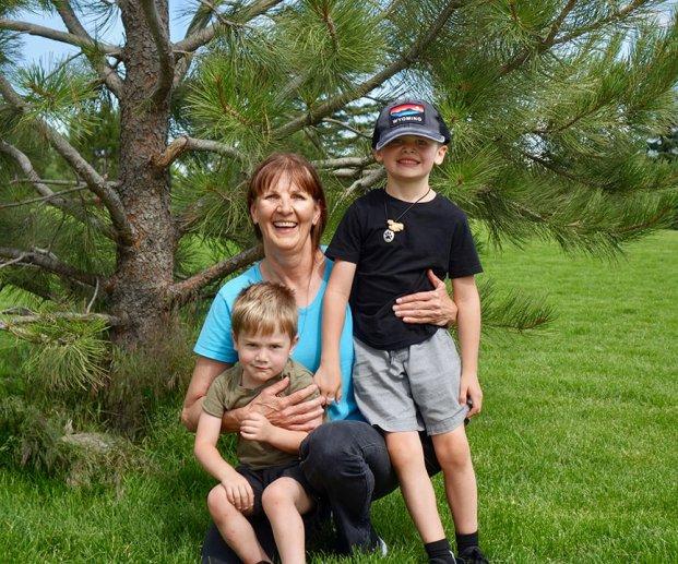 Kathy_and_boys_07.07.19