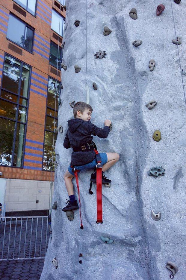 Henry_climbing_wall_10.05.19